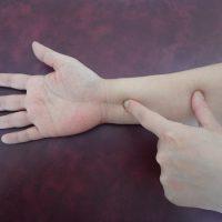 左ひざ痛の治療ポイント